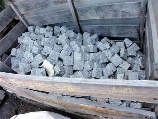 Pavés granit gris tragal 7/9 cm flammé