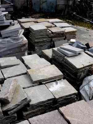 Dalles granit gris podotactiles